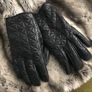 Zara   quilted gloves
